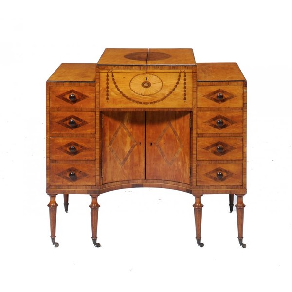 A GEORGE III SATINWOOD Image