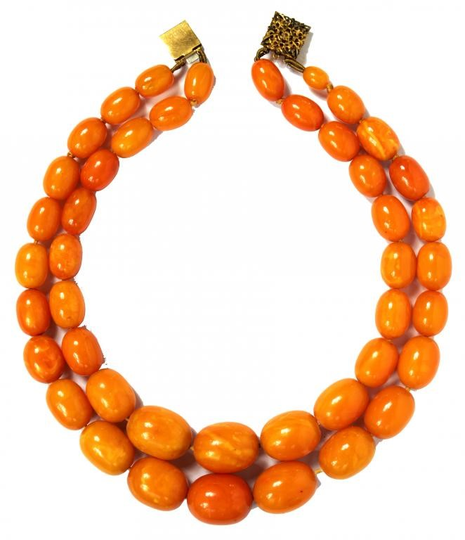 A NECKLACE OF AMBER BEADS  99g Image