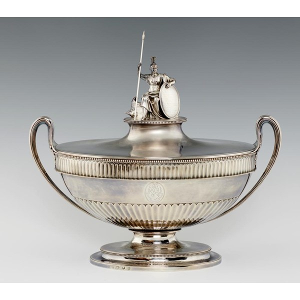 AMERICAN WAR OF INDEPENDENCE INTEREST. A GEORGE III SILVER TESTIMONIAL SOUP TUREEN AND COVER  the fl Image