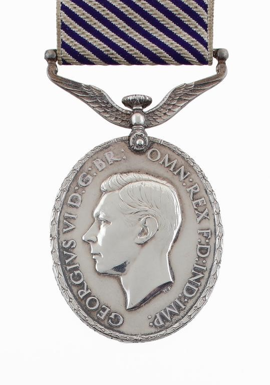 DISTINGUISHED FLYING MEDAL George VI Image