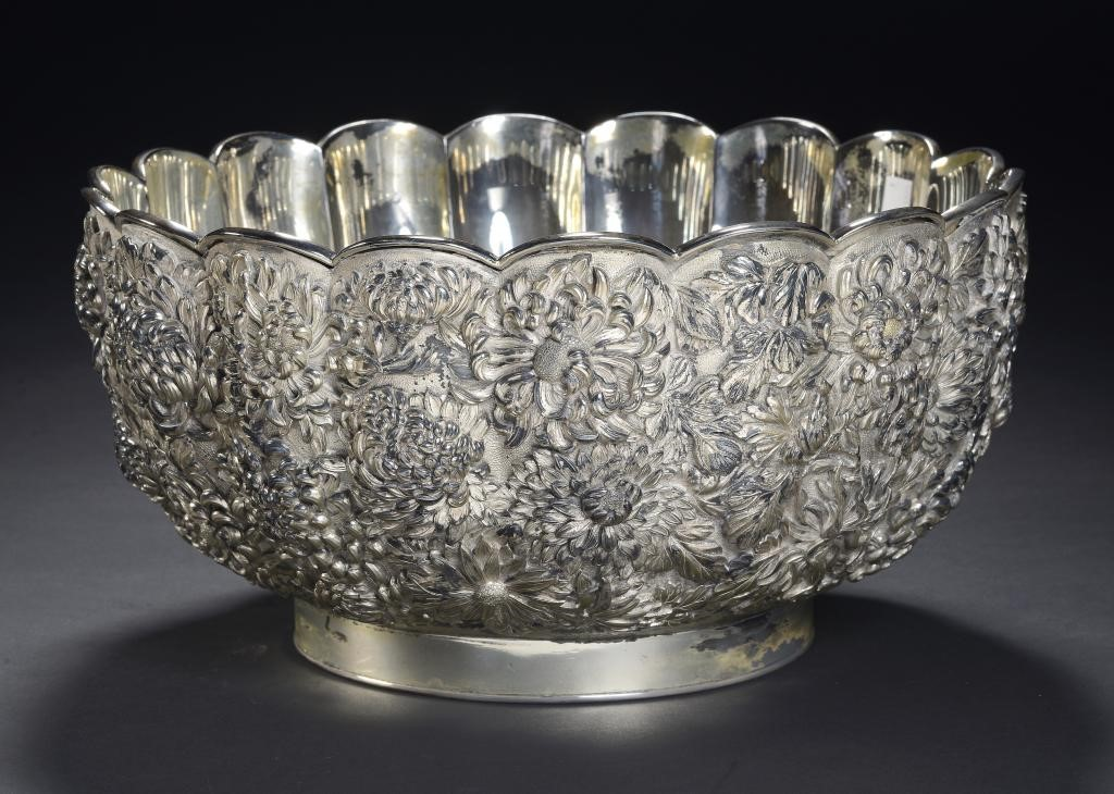 A JAPANESE SILVER PLATED KIKU MOULDED PUNCH BOWL Image