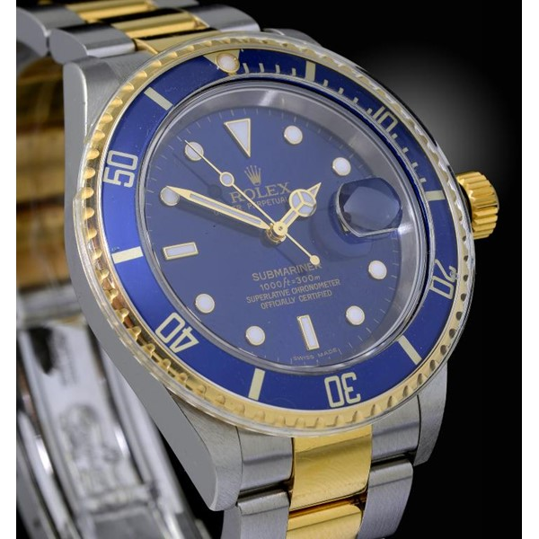 A ROLEX STAINLESS STEEL SELF WINDING WRISTWATCH OYSTER PERPETUAL SUBMARINER DATE REF 16613/93253 Image