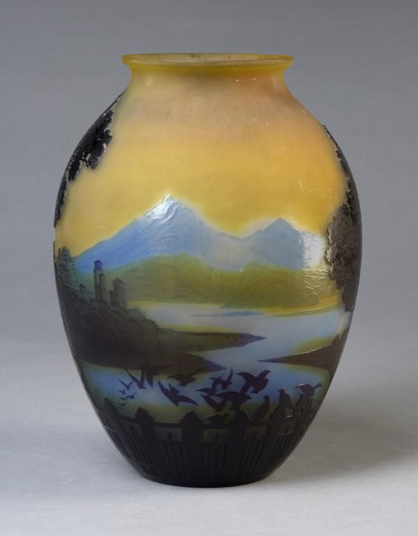AN EMILE GALLE DOUBLE OVERLAY CAMEO GLASS LAKE COMO LANDSCAPE VASE Image